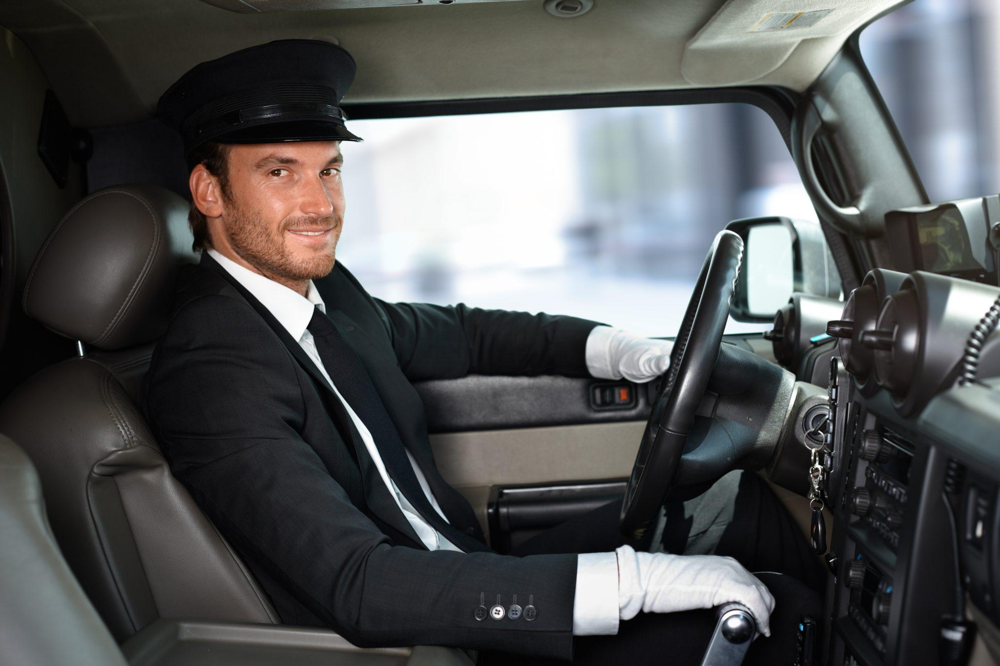 Autista all'opera per auto aziendali